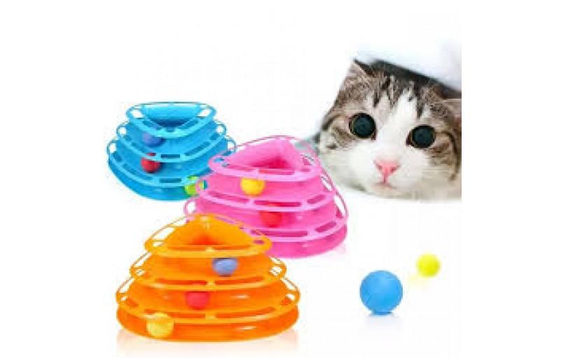 Yavru kedi interaktif oyun ihtiyacı